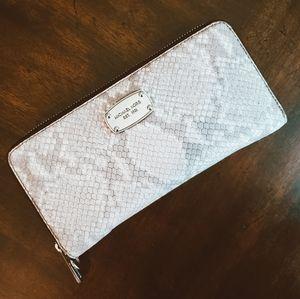 Michael Kors Wristlet Wallet in snakeskin